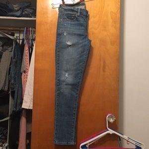 American Eagle Medium Wash Distressed Jeans